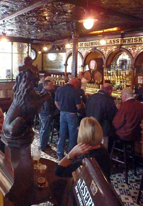 Happy crowd, Crown Bar, Belfast