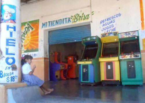 Mexico - Petatlan arcade