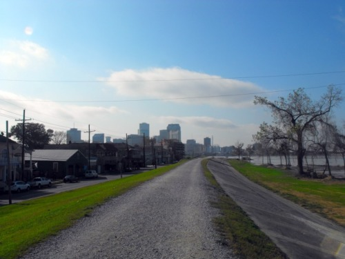New Orleans - levy bike path