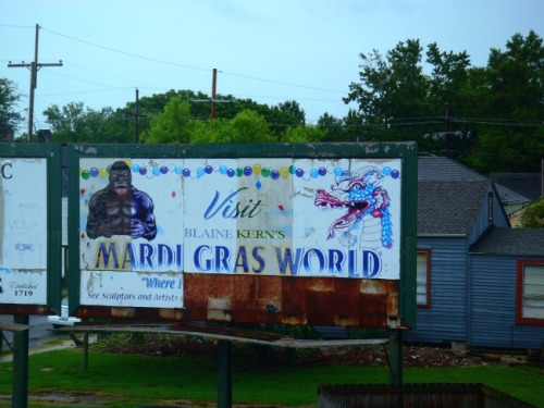 New Orleans - Mardi Gras World sign