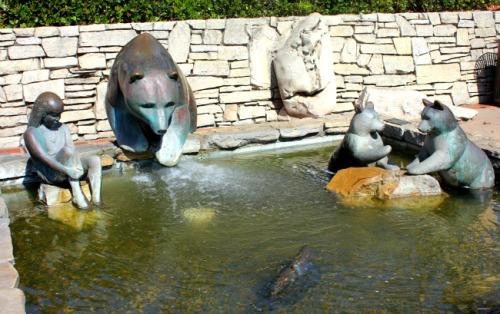 California - San Luis Obispo bear sculpture