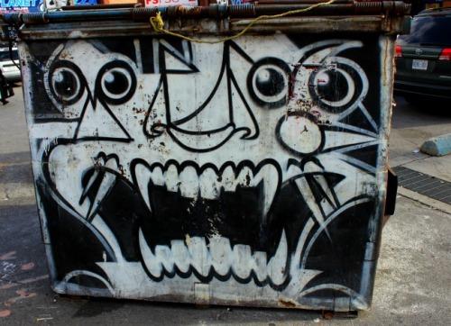 Toronto - graffiti garbage bin