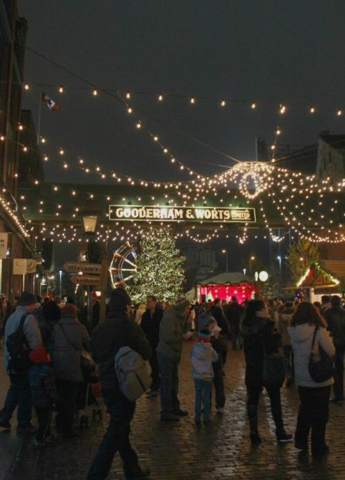 Toronto - Distillery Christmas market