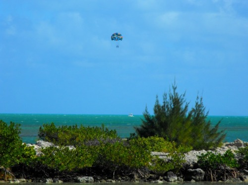 Florida - parasailing in the Keys