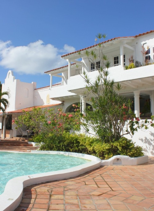 St. Lucia Windjammer pool