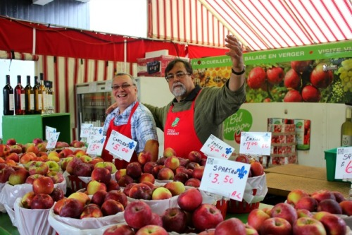 Montreal - Jean Talon apples