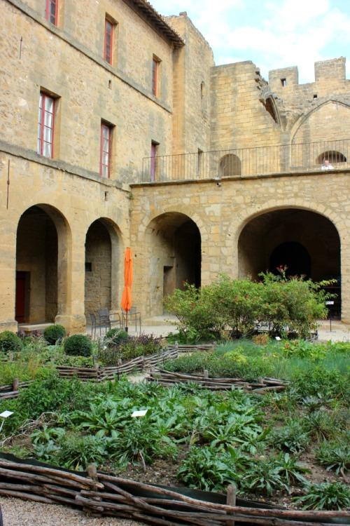 France - Salon's Chateau de l'empiri