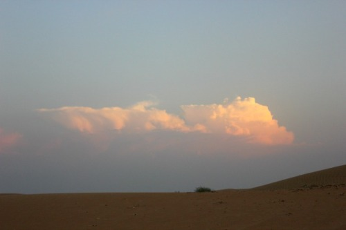 UAE - desert cloud