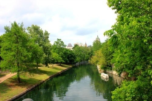 San Antonio - Riverwalk city view