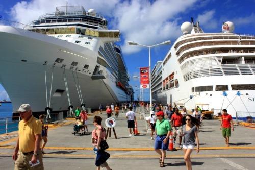 St Maarten - ships