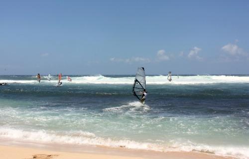 Maui - windsurfers at Hookipa