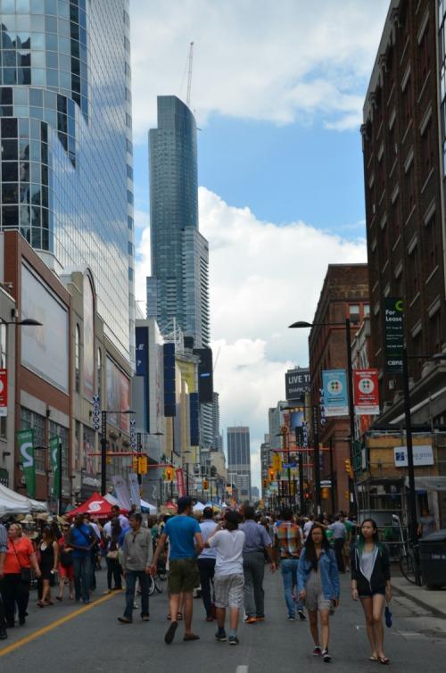 Toronto - Buskerfest on Yonge